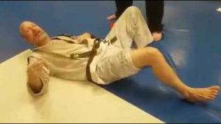 Brown Belt Resets His Knee After It Pops Out Of Place